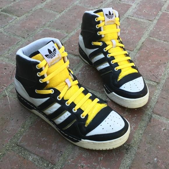 5d58ffa0a8629 Vintage 80s Adidas High Tops black/white/yellow 10